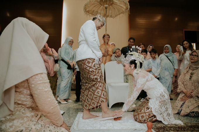 Sundanese Akad and Javanese Reception Wedding of Bella and Adit by  Menara Mandiri by IKK Wedding (ex. Plaza Bapindo) - 010