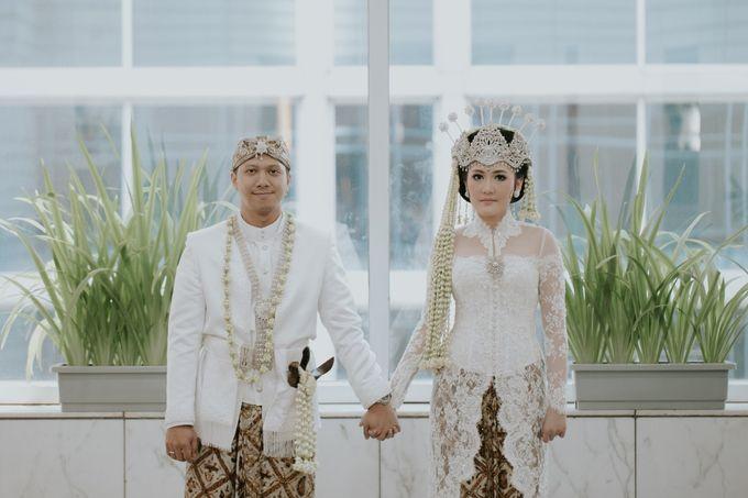 Sundanese Akad and Javanese Reception Wedding of Bella and Adit by  Menara Mandiri by IKK Wedding (ex. Plaza Bapindo) - 005