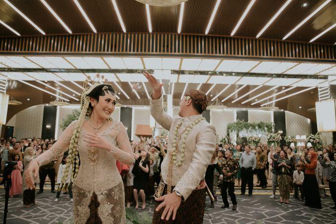 Sundanese Akad and Javanese Reception Wedding of Bella and Adit by  Menara Mandiri by IKK Wedding (ex. Plaza Bapindo) - 004