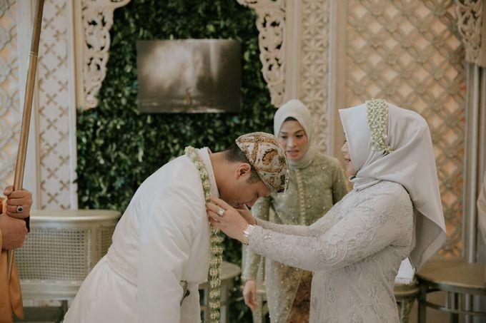 Sundanese Akad and Javanese Reception Wedding of Bella and Adit by  Menara Mandiri by IKK Wedding (ex. Plaza Bapindo) - 008