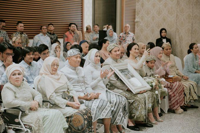 Sundanese Akad and Javanese Reception Wedding of Bella and Adit by  Menara Mandiri by IKK Wedding (ex. Plaza Bapindo) - 011