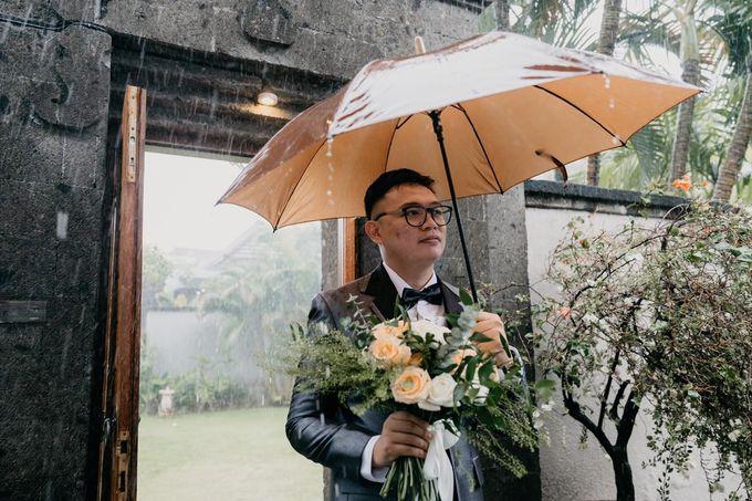 Momen Perayaan Sakral Penyatuan Cinta Di Tengah Musim Yang Baru a la Randy dan Debbi by Lentera Wedding - 002