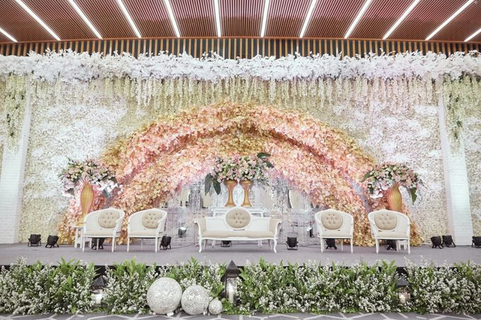 International Wedding of Michelly & Raymond by  Menara Mandiri by IKK Wedding (ex. Plaza Bapindo) - 008