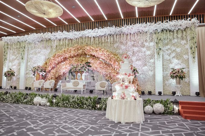 International Wedding of Michelly & Raymond by  Menara Mandiri by IKK Wedding (ex. Plaza Bapindo) - 007