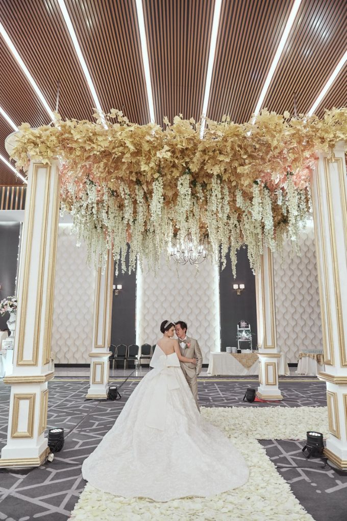 International Wedding of Michelly & Raymond by  Menara Mandiri by IKK Wedding (ex. Plaza Bapindo) - 001