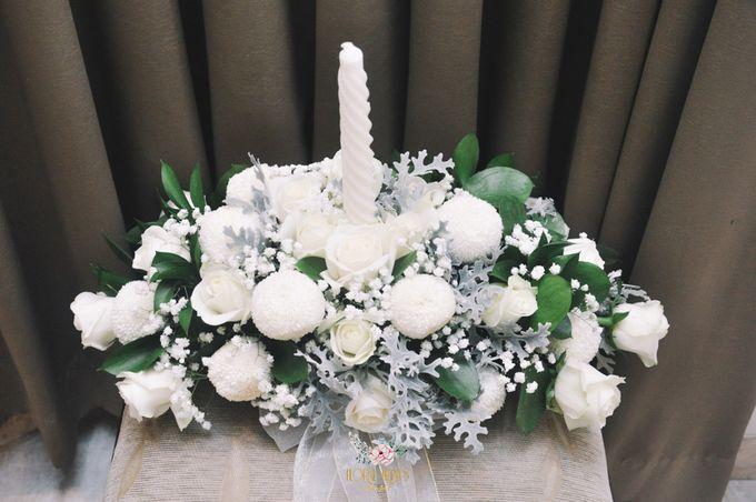 Church Arrangement for Erdick Stephanie Wedding by Floral Treats - 001