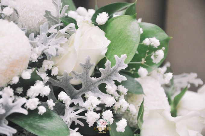 Church Arrangement for Erdick Stephanie Wedding by Floral Treats - 005