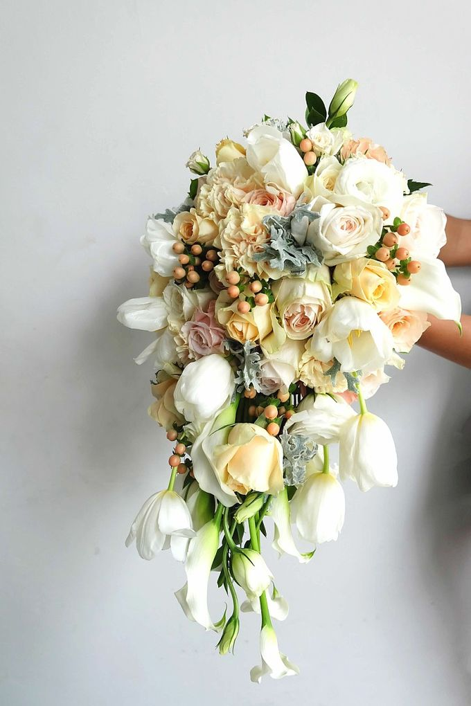 Cascade Bouquet Collection by Il Fiore - 004