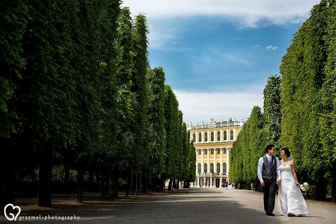 Pre-wedding photo session in Vienna by Grazmel Wedding Photography - 002
