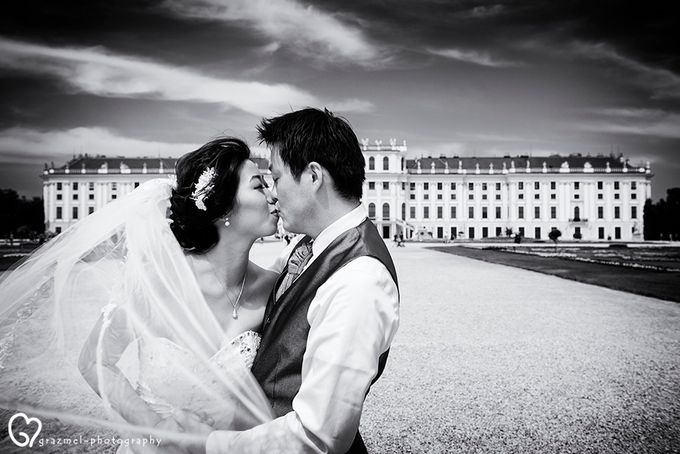 Pre-wedding photo session in Vienna by Grazmel Wedding Photography - 003