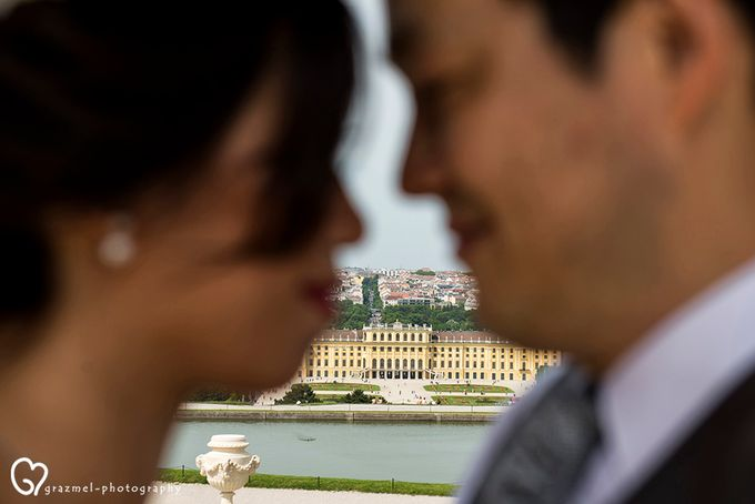 Pre-wedding photo session in Vienna by Grazmel Wedding Photography - 008