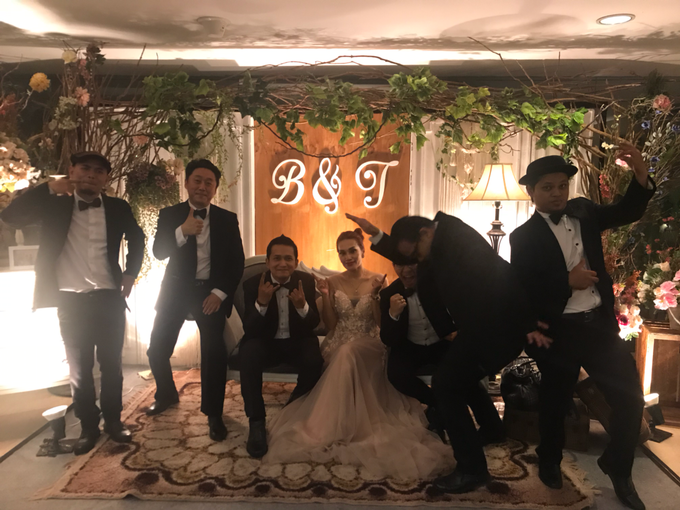 Music team at Bernard & Tresy wedding reception by Wijaya Music Entertainment - 003