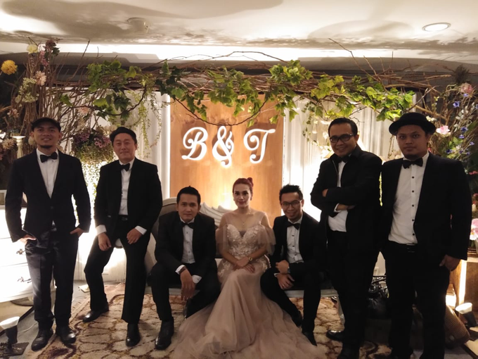 Music team at Bernard & Tresy wedding reception by Silver Box - 002