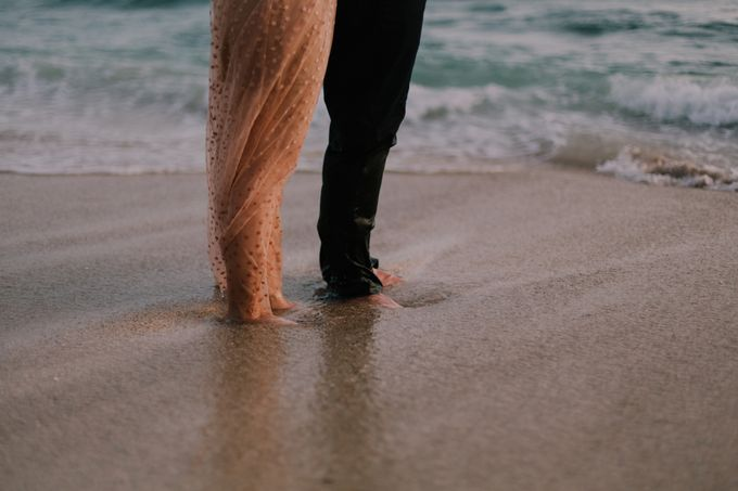 Lovestruck Prewedding Session of Tinder Couple Wilona & Grendi in Bali by fire, wood & earth - 046