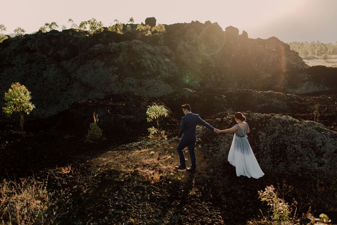 Lovestruck Prewedding Session of Tinder Couple Wilona & Grendi in Bali by fire, wood & earth - 002