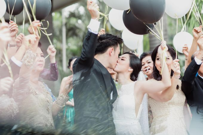 Raymond & Leonie Wedding Day by Wong Hang Distinguished Tailor - 020