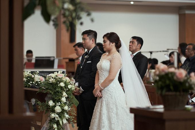 WEDDING OF WELLY & MARIA by Novotel Tangerang - 011