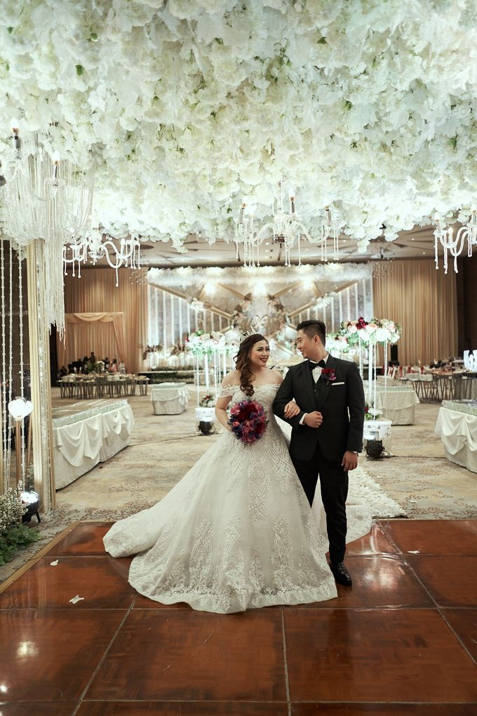 WEDDING OF WELLY & MARIA by Novotel Tangerang - 013