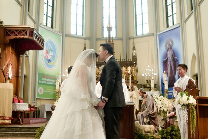 The Wedding of  Efeline & Fion by Bondan Photoworks - 041