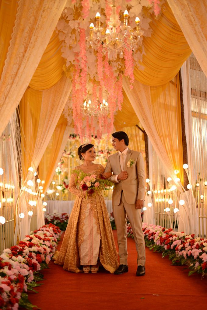 Mr. Iwan Setiawan & Mrs. Henny by Ventlee Groom Centre - 002
