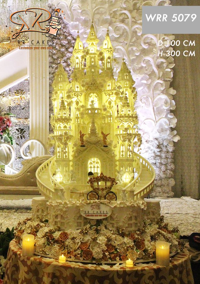 Weddingcake in 2019 - 5 tiers by RR CAKES - 001