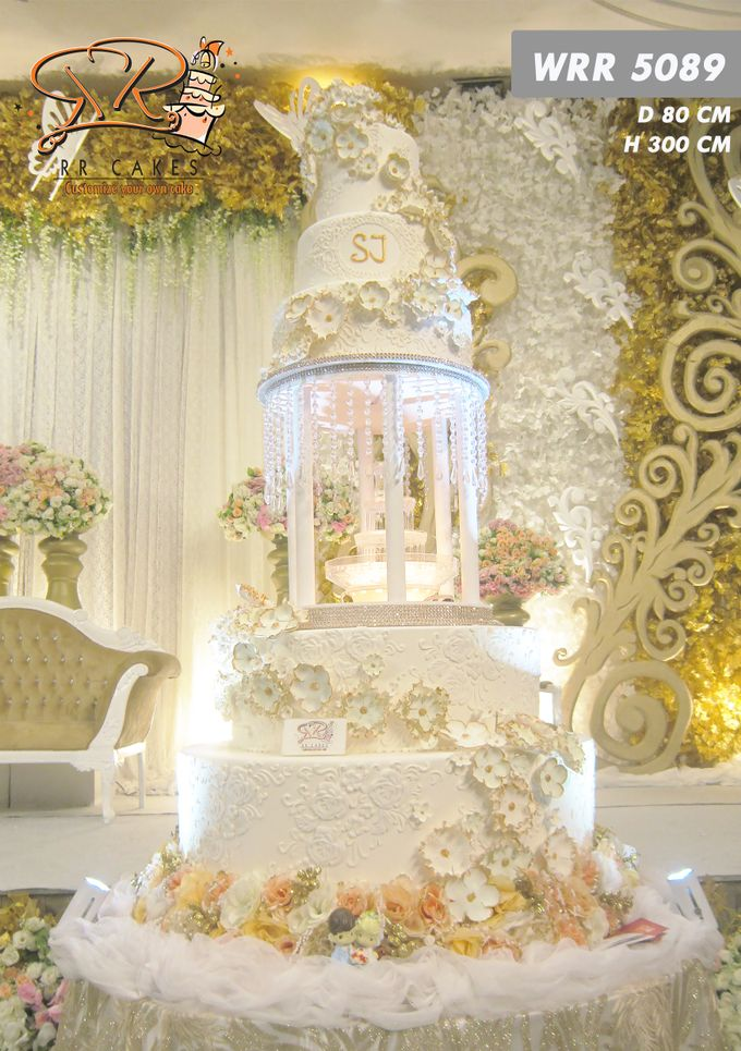 Weddingcake in 2019 - 5 tiers by RR CAKES - 003