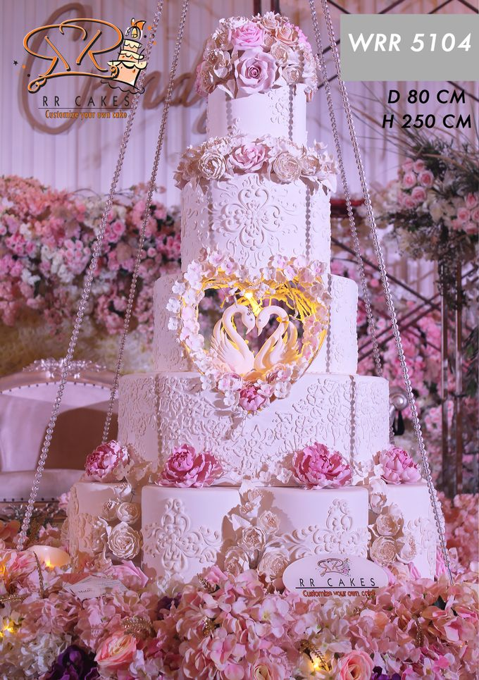 Weddingcake in 2019 - 5 tiers by RR CAKES - 010