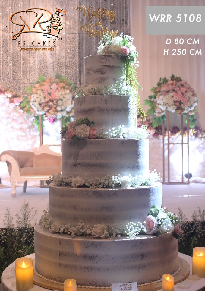 Weddingcake in 2019 - 5 tiers by RR CAKES - 011