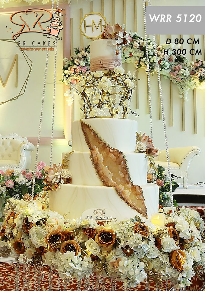 Weddingcake in 2019 - 5 tiers by RR CAKES - 018