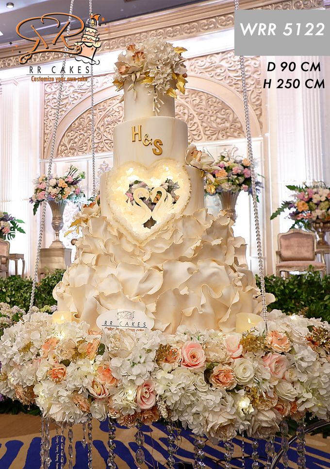 Weddingcake in 2019 - 5 tiers by RR CAKES - 020