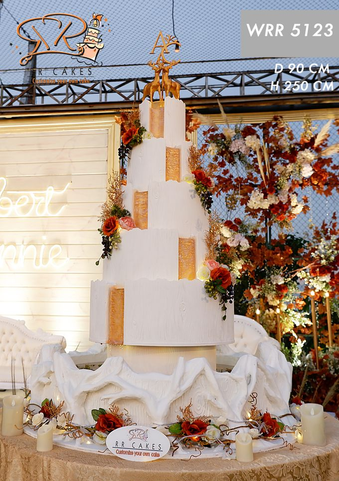 Weddingcake in 2019 - 5 tiers by RR CAKES - 021