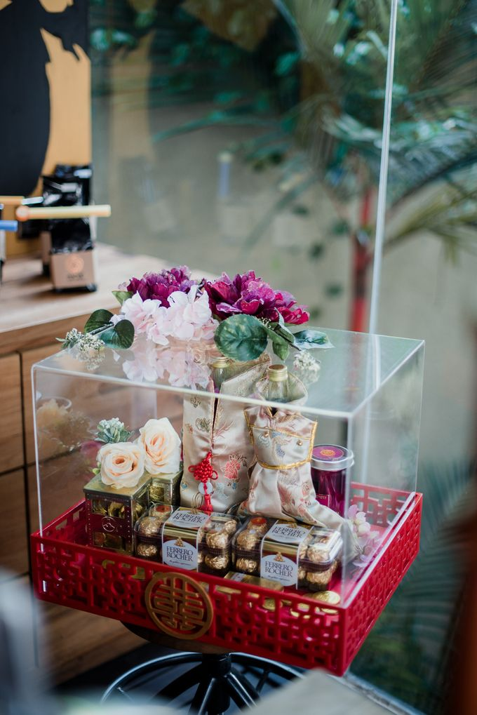 Kresna & Winda's Engagement by Studio 8 Bali Photography - 001
