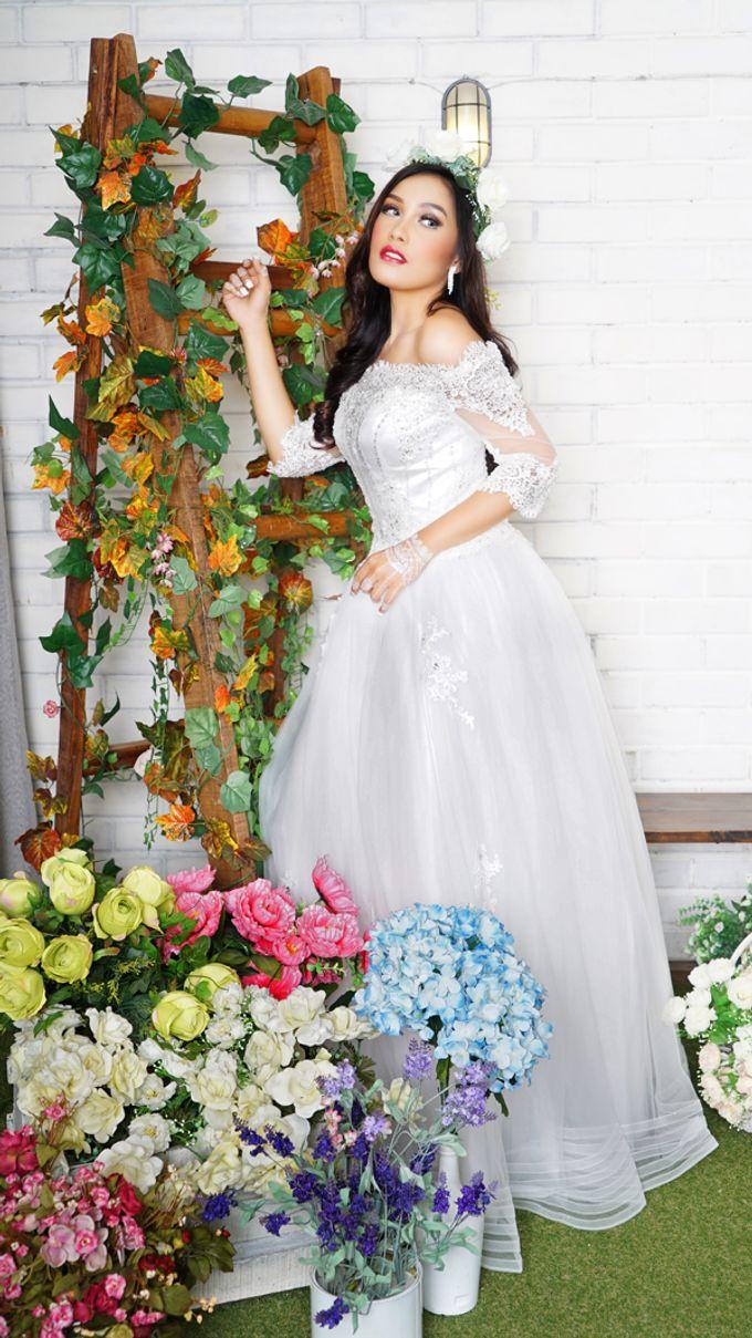 Lookbook Winona Bridal Collections by Winona Makeup & Bridal - 004