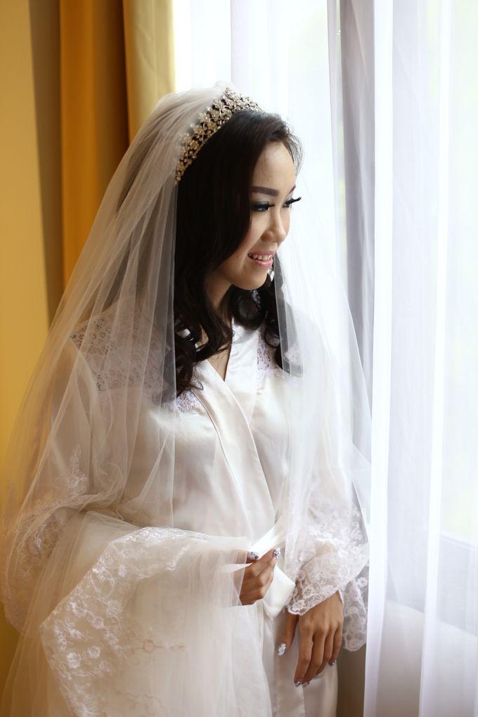 Wedding Of Danny & Elizabeth by Cozzy Photo Print - 016