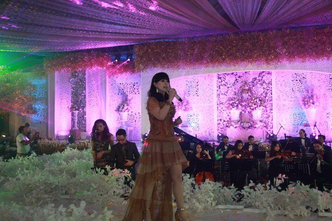 Autumn Theme Wedding Boy & Elisia at Empire 10th Floor  Surabaya by Diorama Tailor - 023
