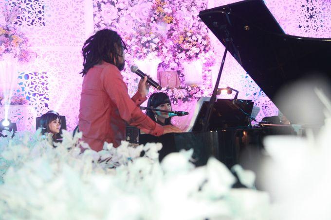 Autumn Theme Wedding Boy & Elisia at Empire 10th Floor  Surabaya by Diorama Tailor - 024