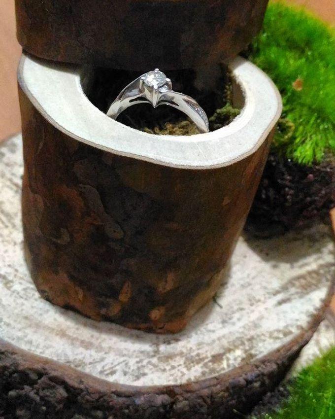 Wedding ring box by Hana Seserahan - 023
