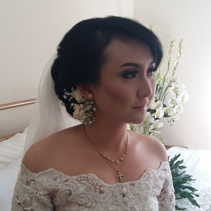 Hairdo For bride / Wedding by Makeup And Hairdo By iis - 004