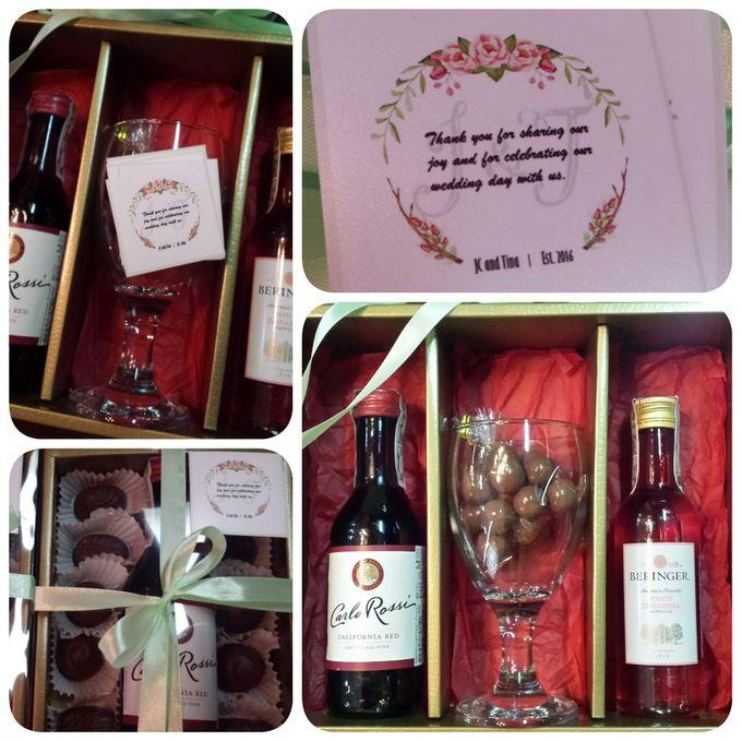 Wine Sponsor Gifts By Megabites Chocolate Bridestory Com