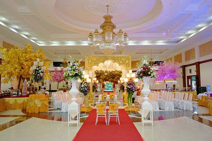 Modern Wedding Decoration by BRAJA MUSTIKA Hotel & Convention Centre - 002
