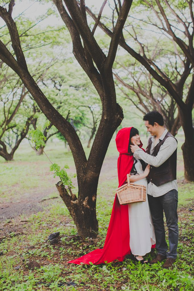 Red Riding Hood and The Hunter by Cravt Photo Props - 011