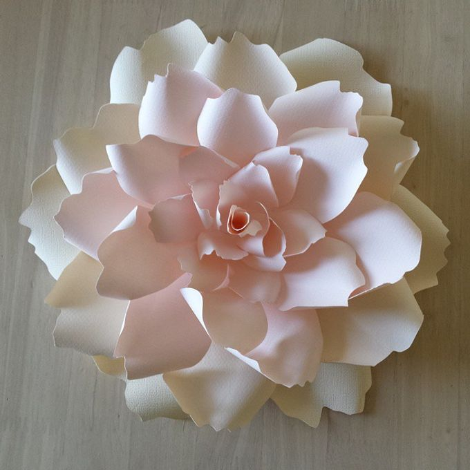 Giant Paper Flowers by Playing With Paper - 001