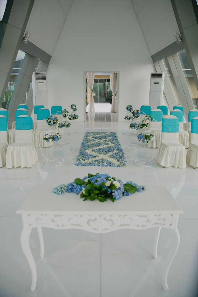 our chapel and water wedding decor by Jc Florist Bali - 018