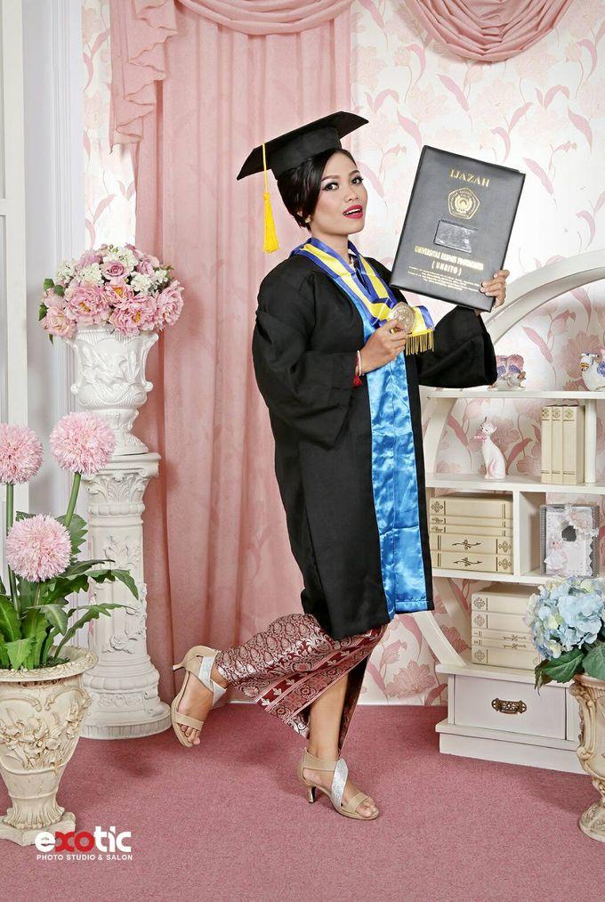 Make Up For Graduation by Maurine Stephanie MUA - 011