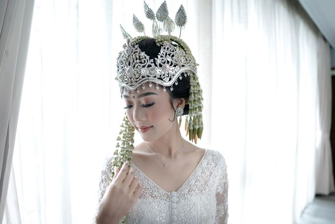Yoga Arizona & Widya Amelia Wedding by SVARNA by IKAT Indonesia Didiet Maulana - 022