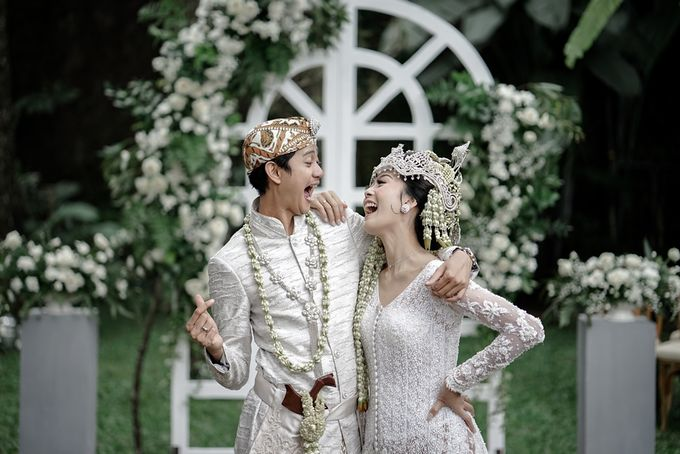 Yoga Arizona & Widya Amelia Wedding by SVARNA by IKAT Indonesia Didiet Maulana - 032