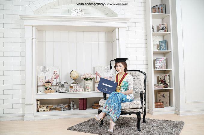 Make Up For Graduation by Maurine Stephanie MUA - 019