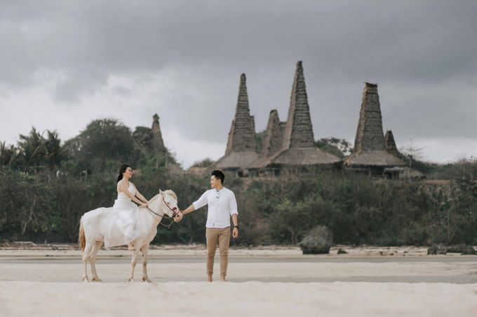 Alvin & Rosa Sumba Prewedding by Levin Pictures - 010