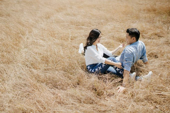 Alvin & Rosa Sumba Prewedding by Levin Pictures - 037