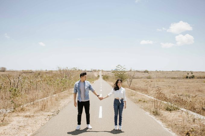 Alvin & Rosa Sumba Prewedding by Levin Pictures - 041